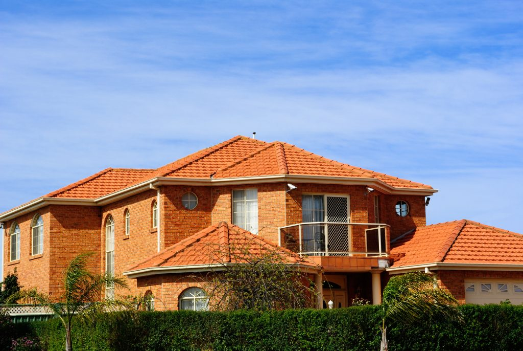 терракотовый цвет фасада дома синтетическое белье